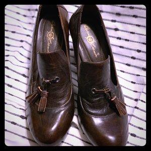 Born bark brown heel